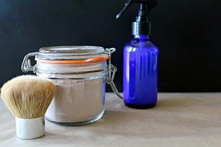 Dry Shampoo - 2 Ways