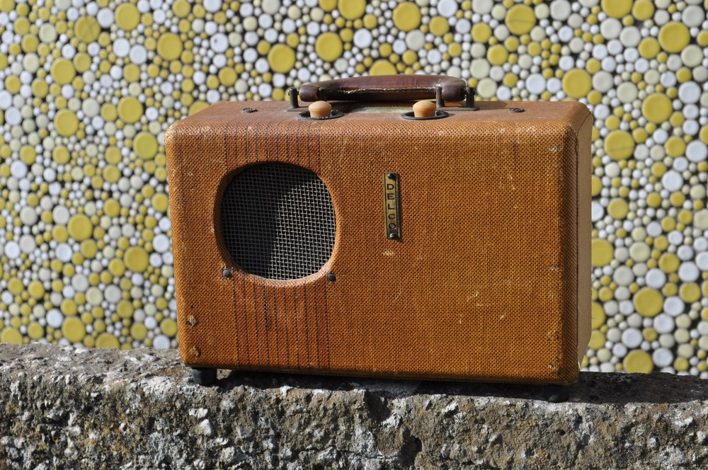 Picture of Re-purposing an Antique Portable Radio Into a Hip Bluetooth Speaker