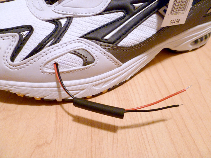 Picture of Connect 9v Through Sneaker