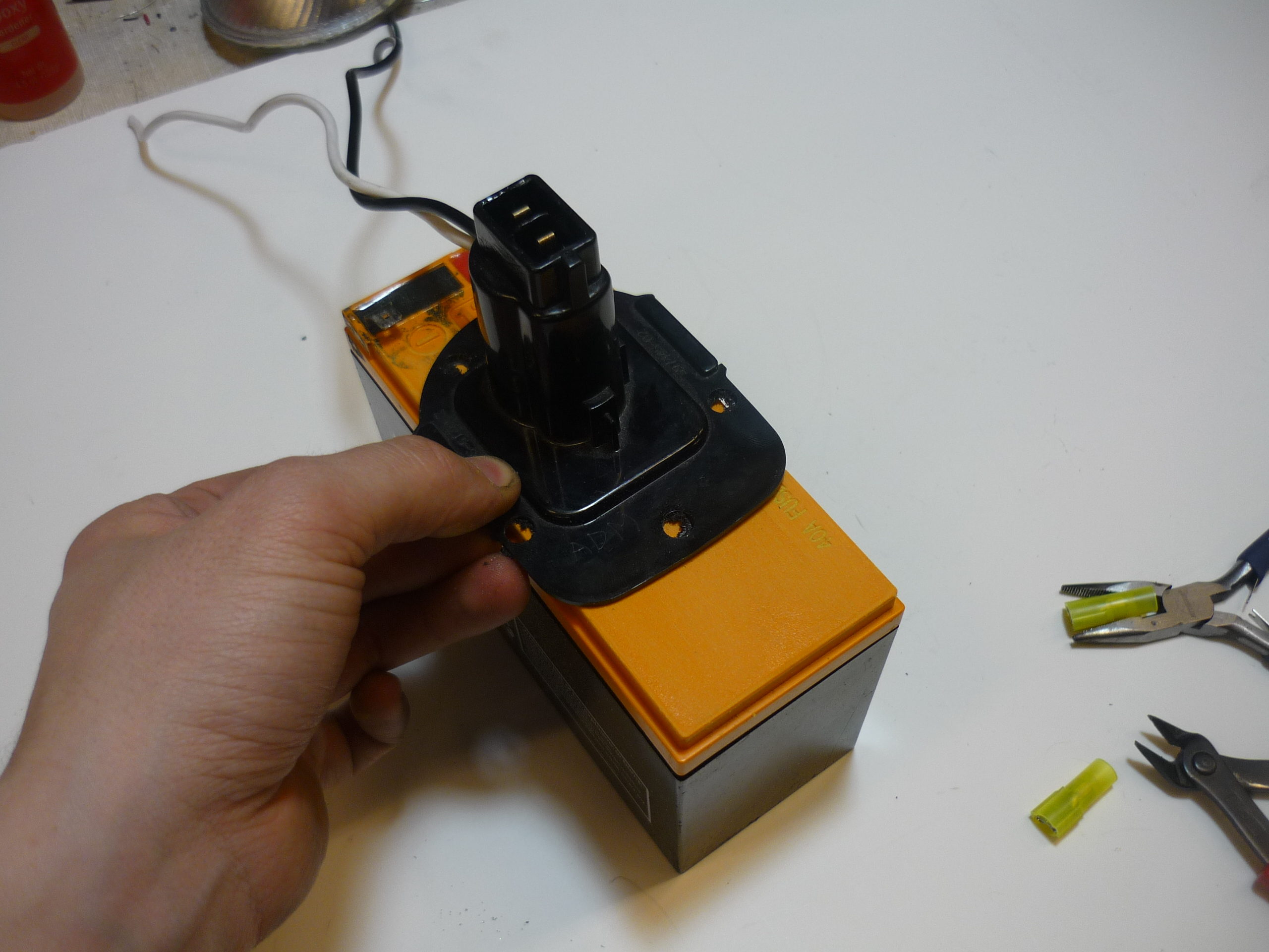 Picture of Attach Connector to Battery Assembly (Epoxy)