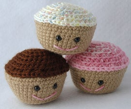 Crochet an Amigurumi Cupcake
