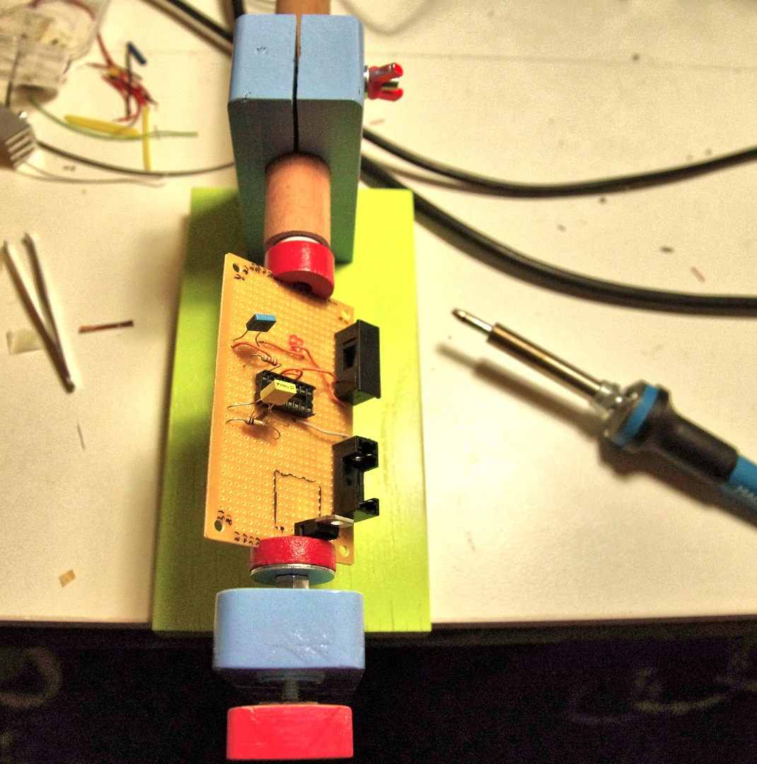 Picture of Sturdy Circuit Board Holder
