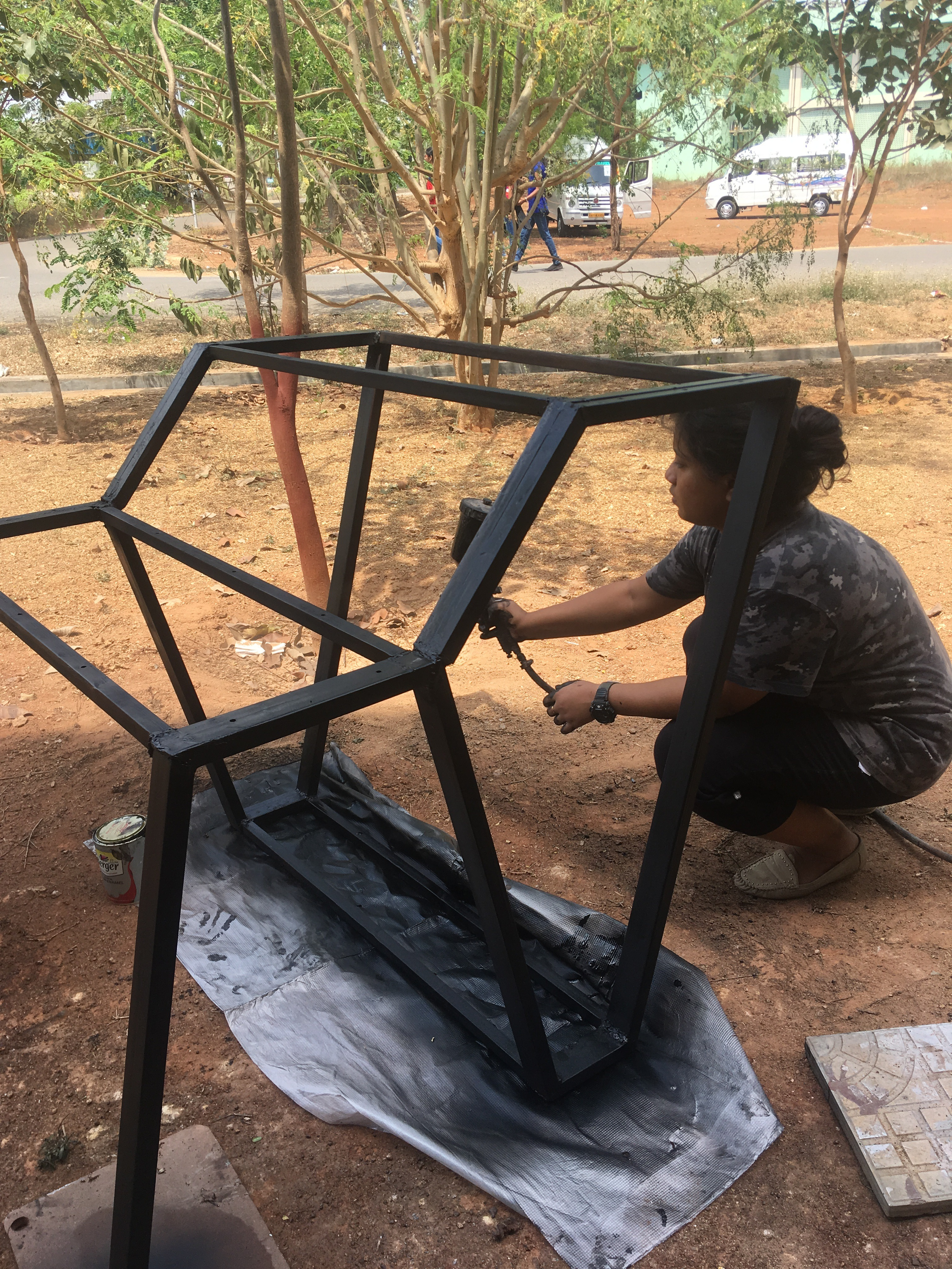 Picture of Spray Paint the Metal Base