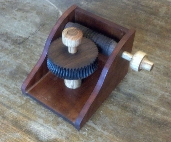 Wooden Hobbed Gear Do-Nothing Machine