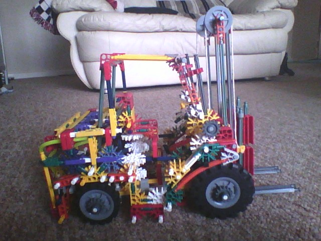 Picture of Knex Forklift (instructions)