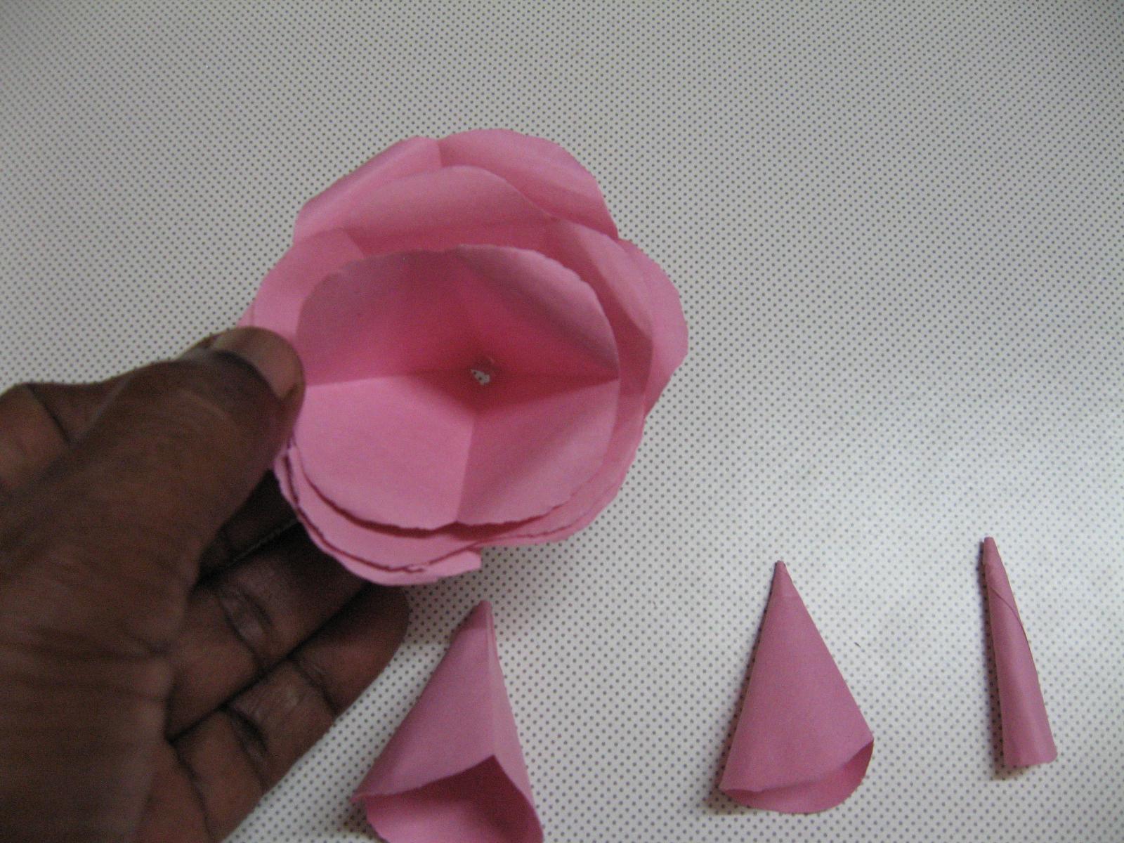 Picture of Arrange Petals and Glue