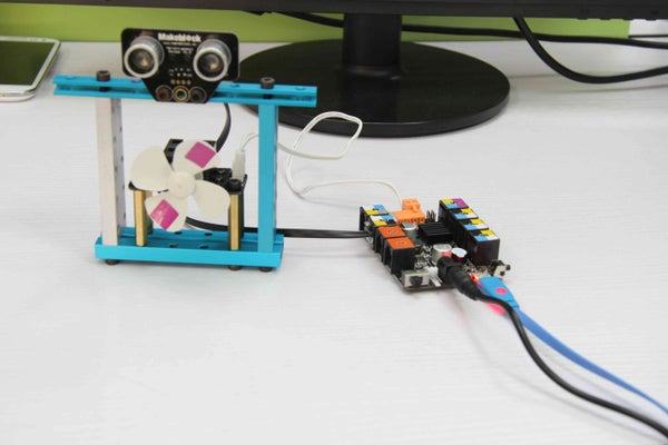How to Make a Magic Fan by Using Scratch and Arduino.