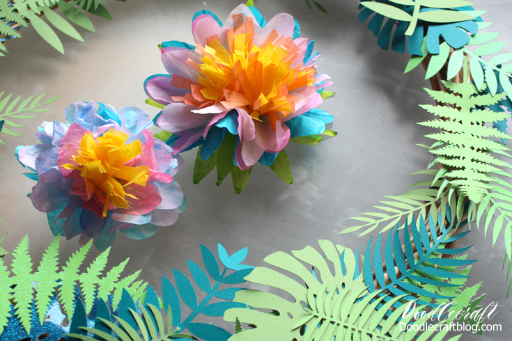 Picture of Attach Flowers to Wreath!
