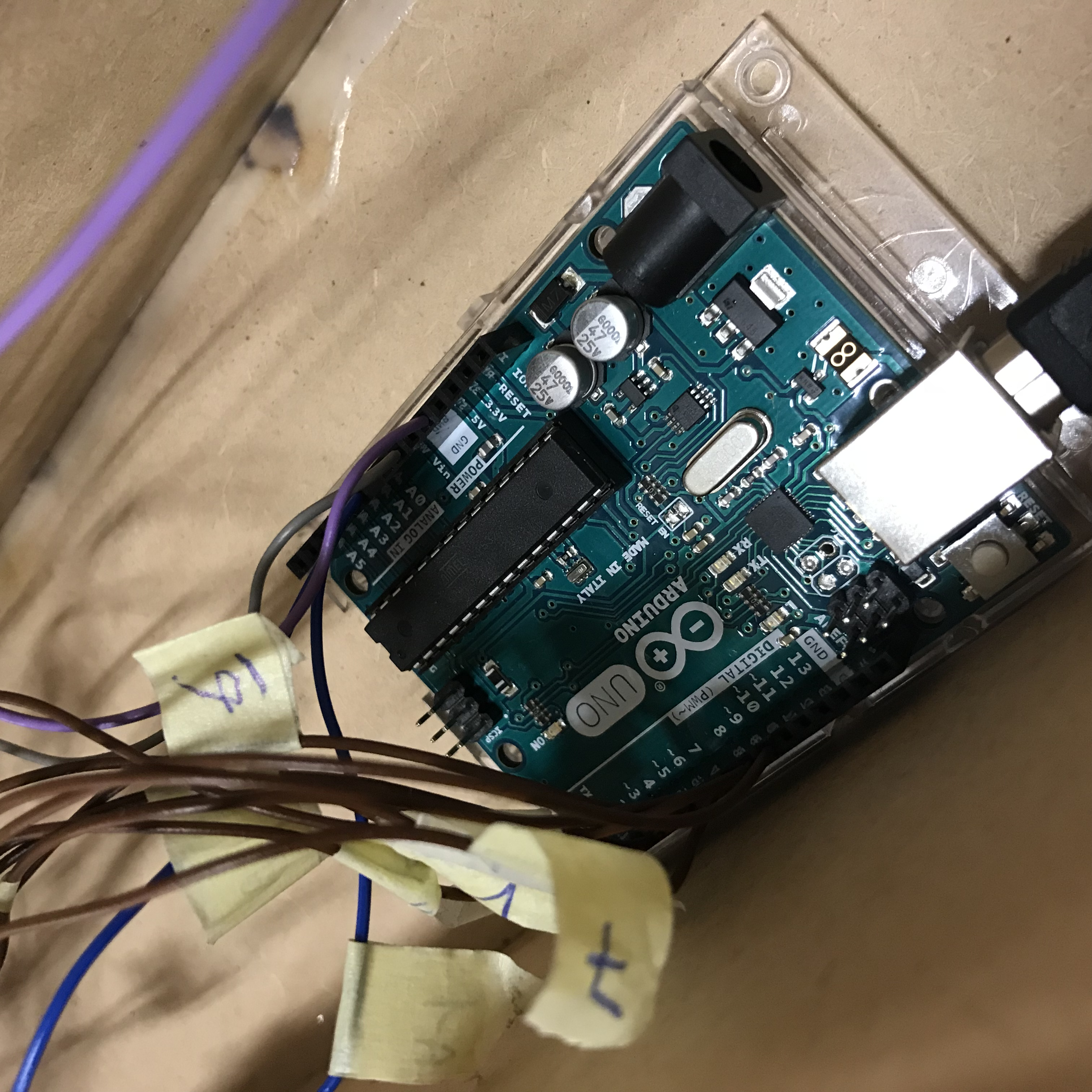 Picture of Steek Alle Kabels in De Arduino