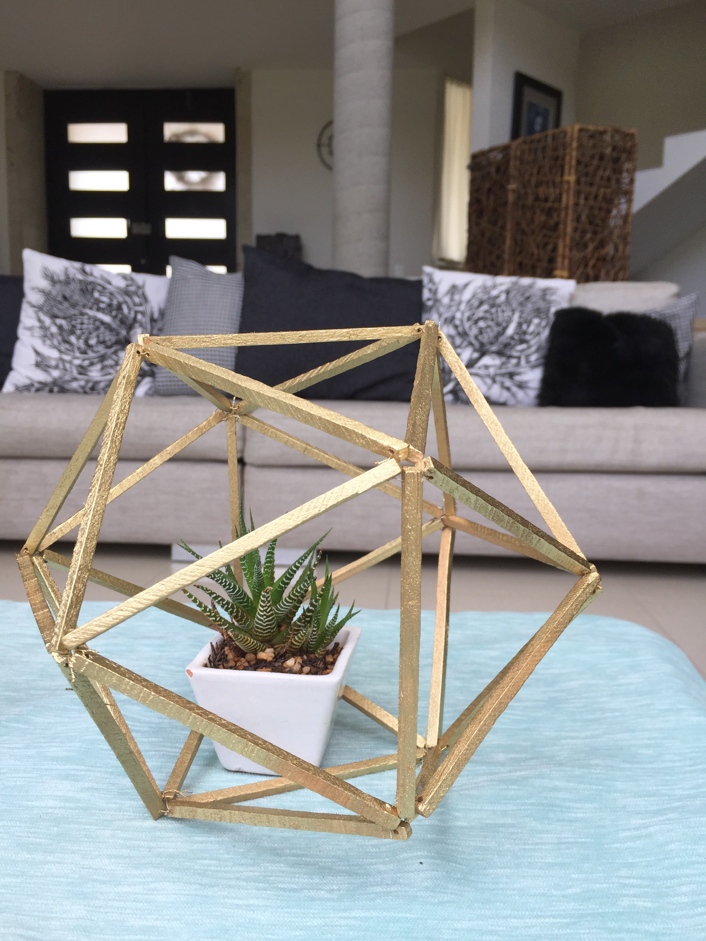 Picture of Polygon Pot Decoration