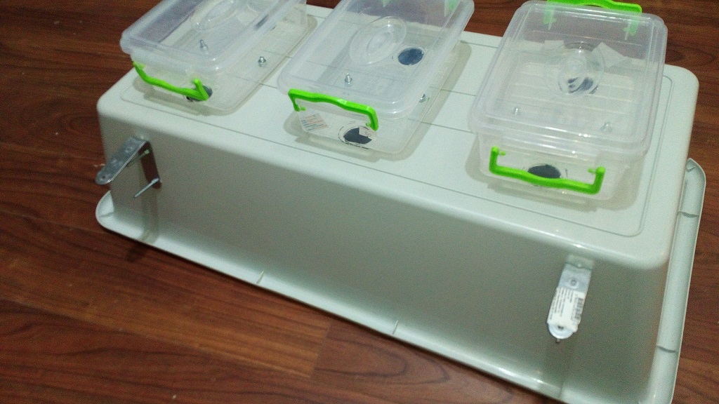 Picture of Attach the Back Containers