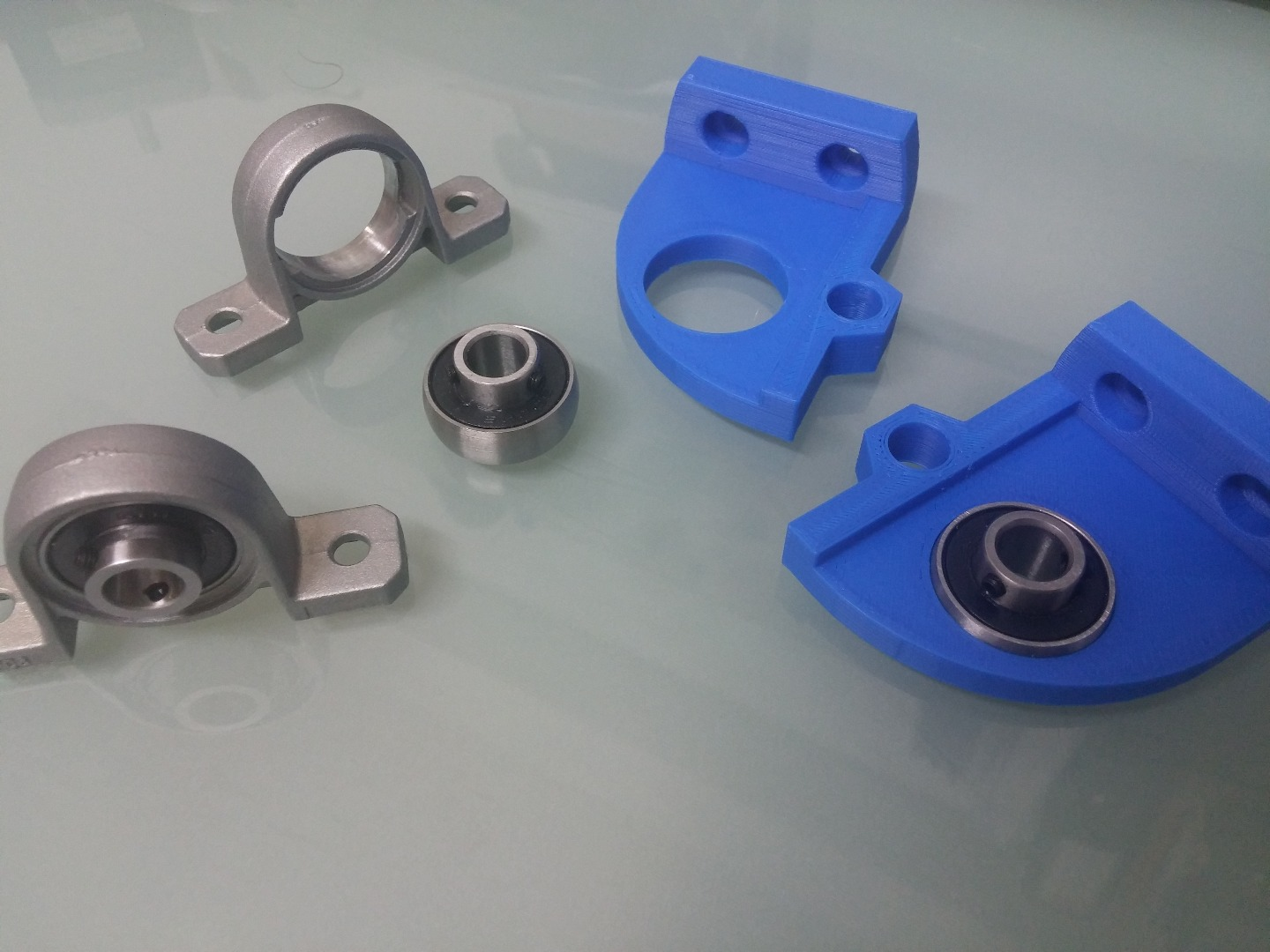Picture of Top and Bottom Brackets