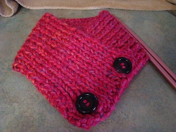 How to Make a Neck Warmer With Buttons