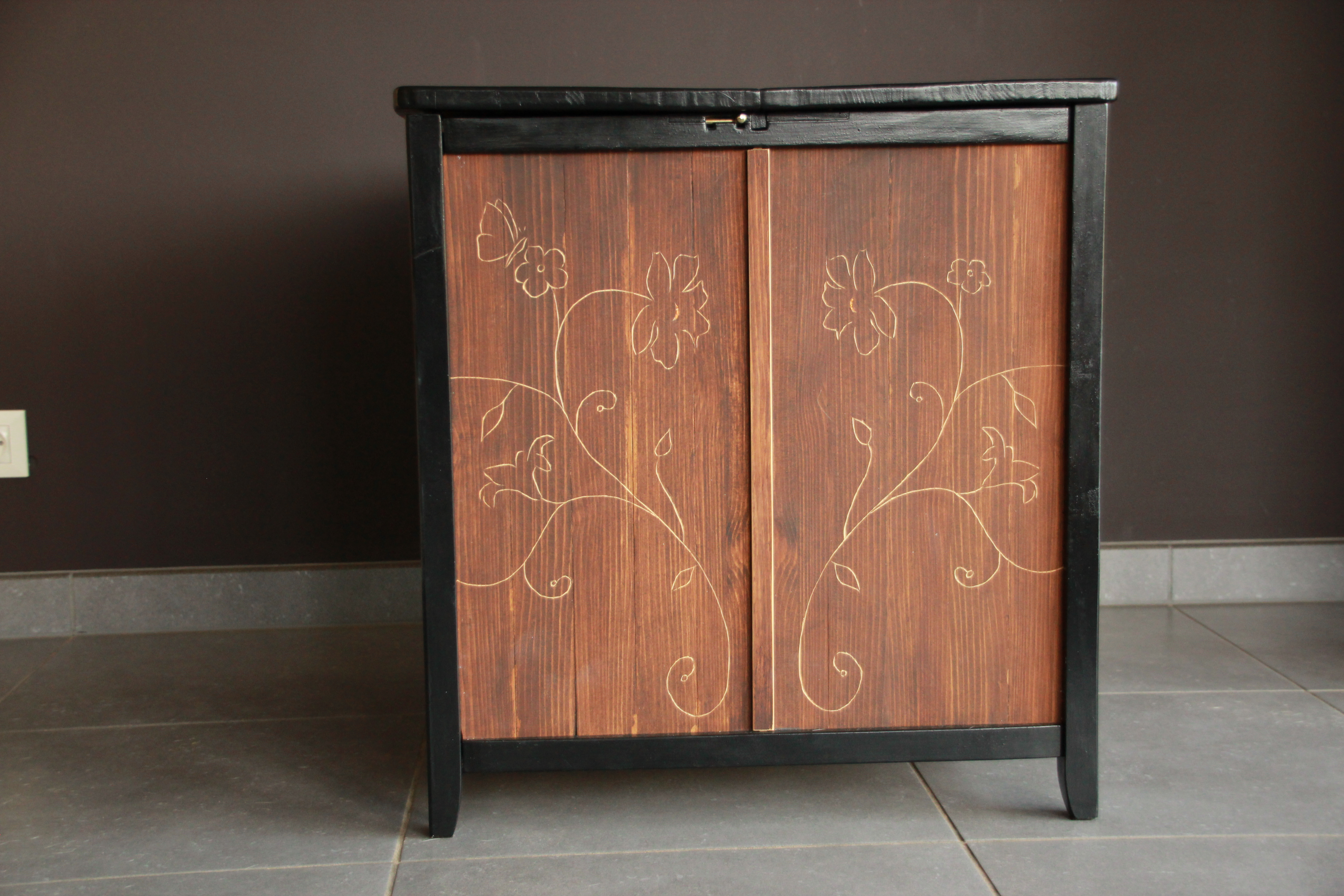 Picture of Japanese-styled Blanket Chest