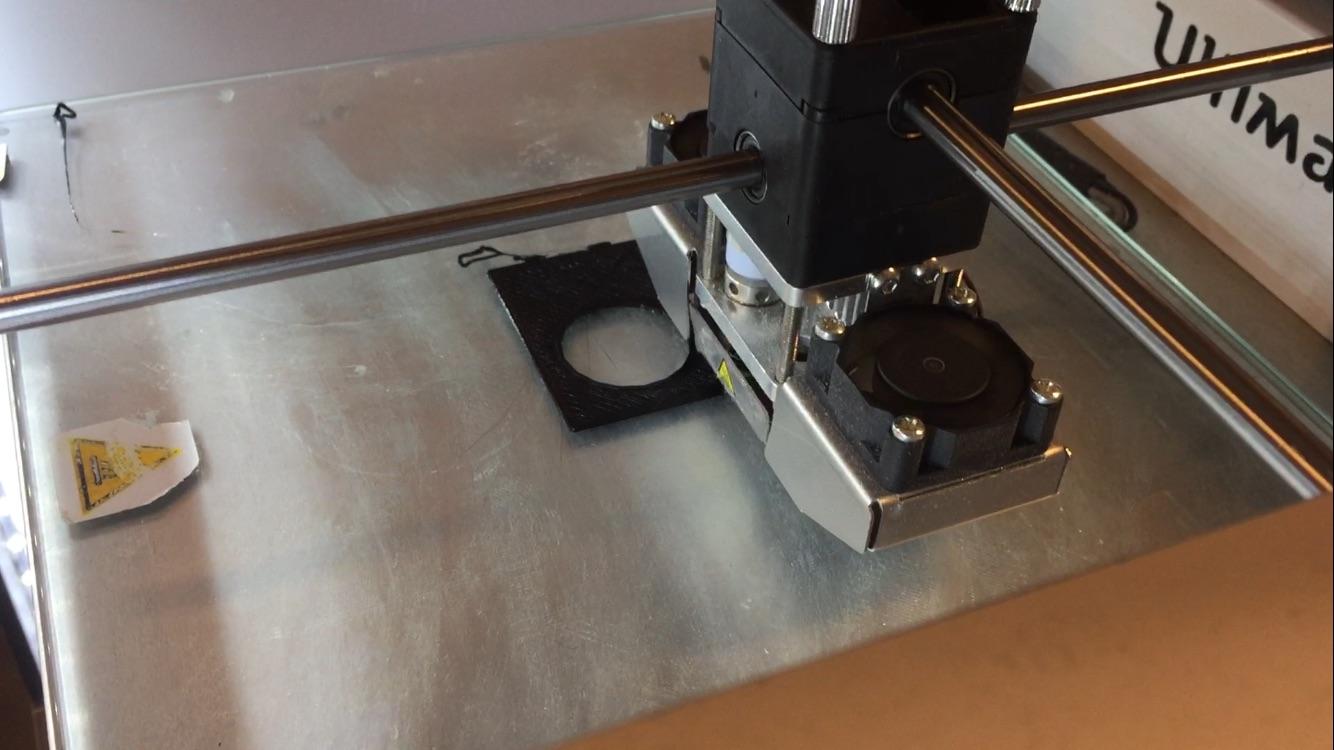 Picture of OPTIONEEL: Gebruik Een 3d Printer Om Een PIR Sensor Houder Te Maken