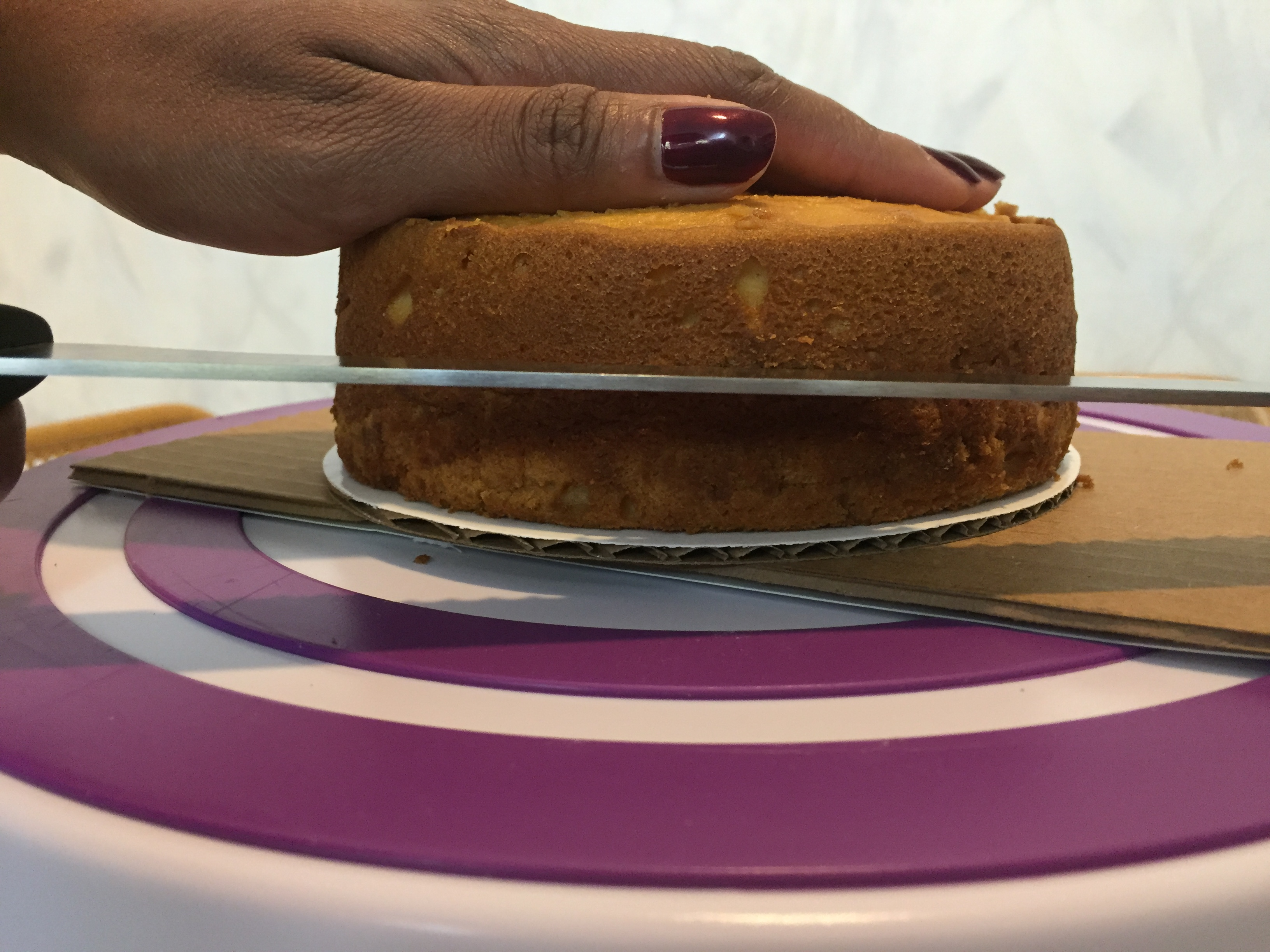 Picture of Level and Split Your Cakes