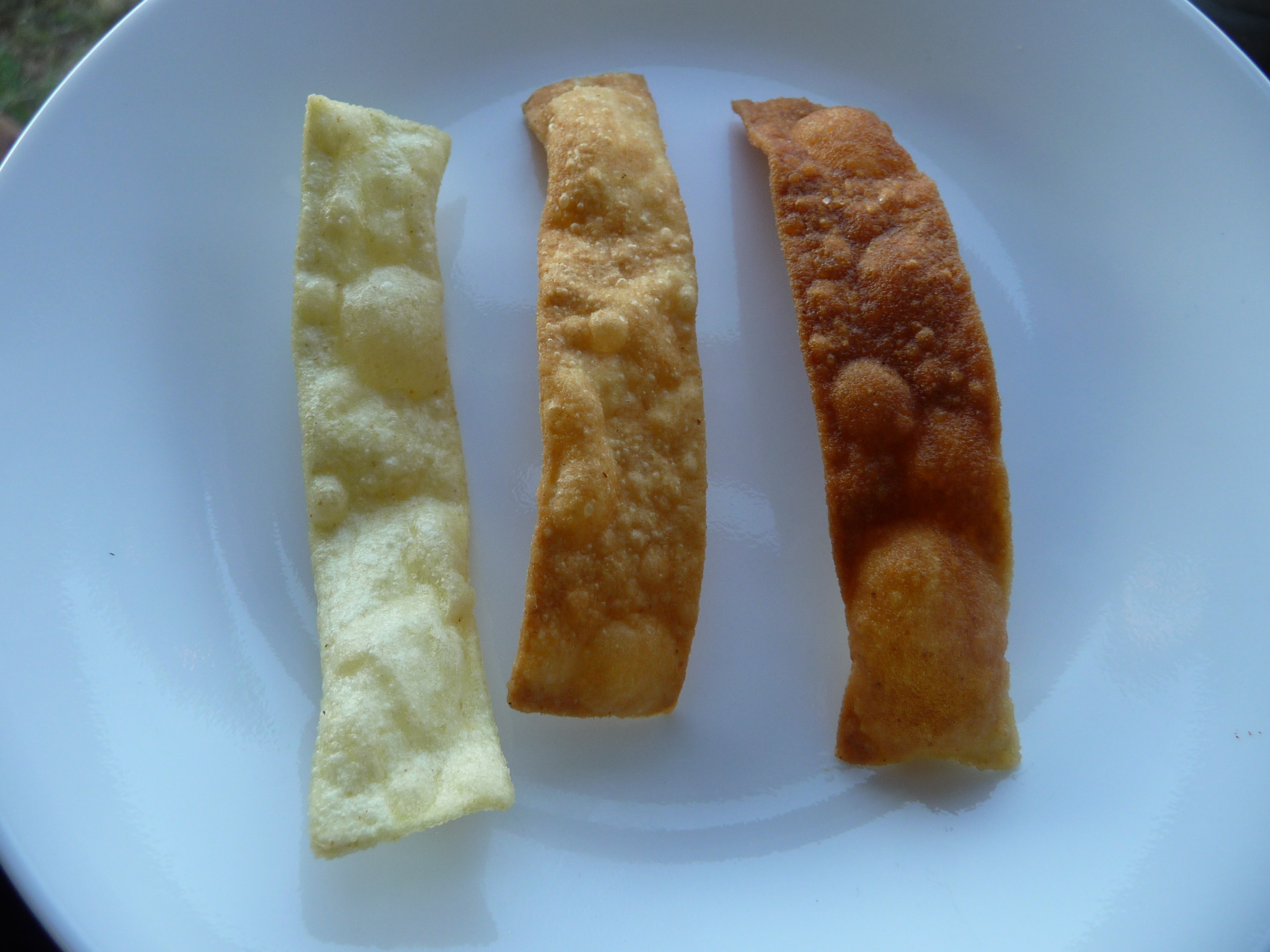 Picture of How to Fry Up Crispy Egg Noodle Chips