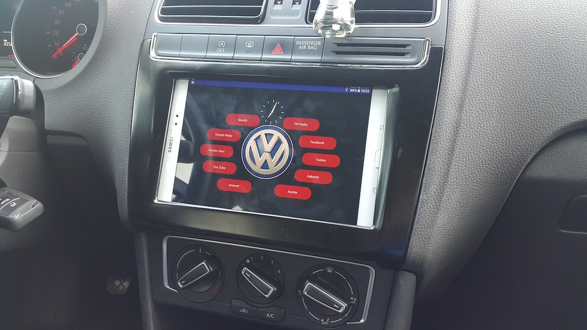 Picture of Car Dash Tablet