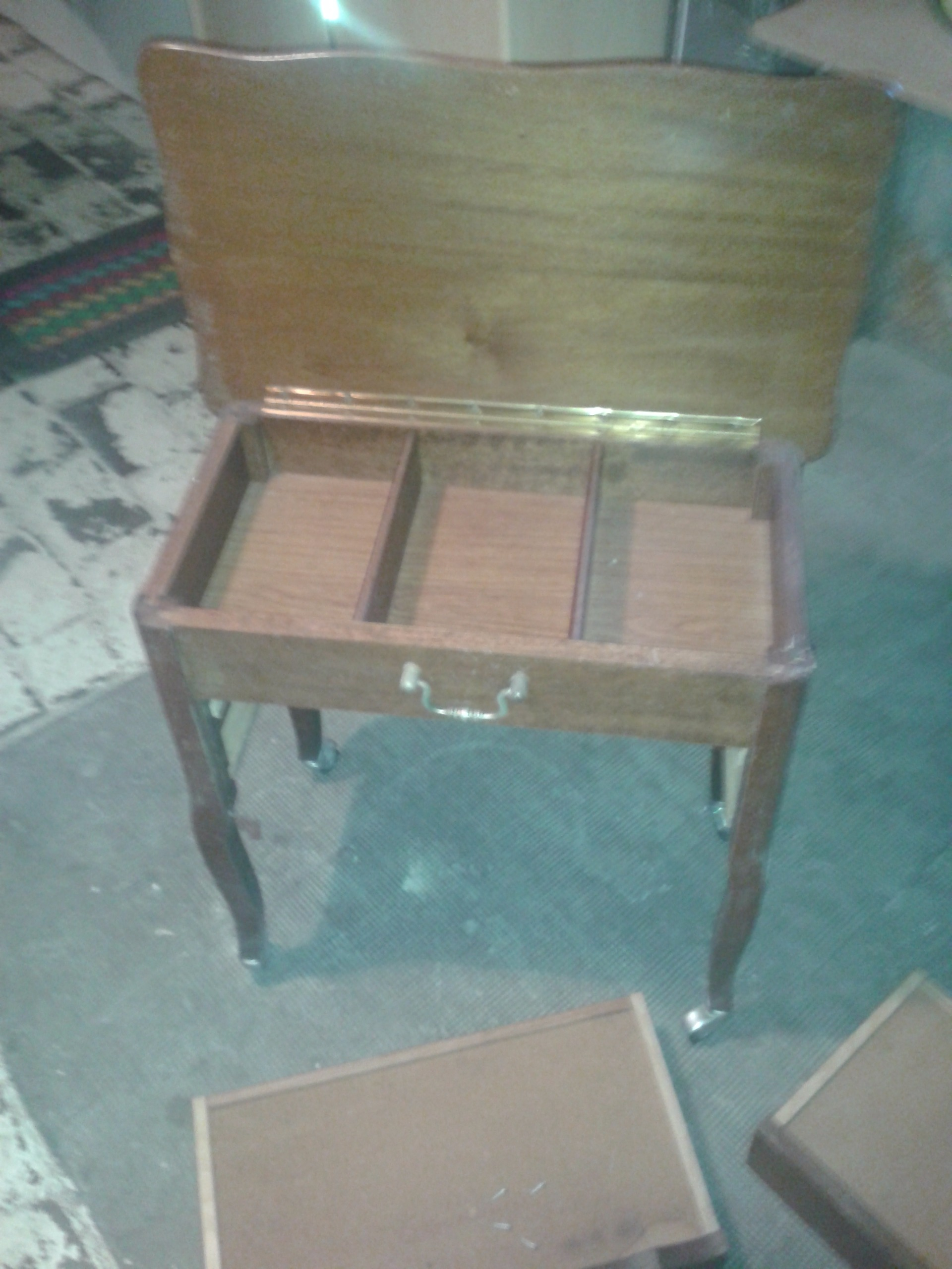 Picture of Unscrewing the Agglo/taking the Drawers Out