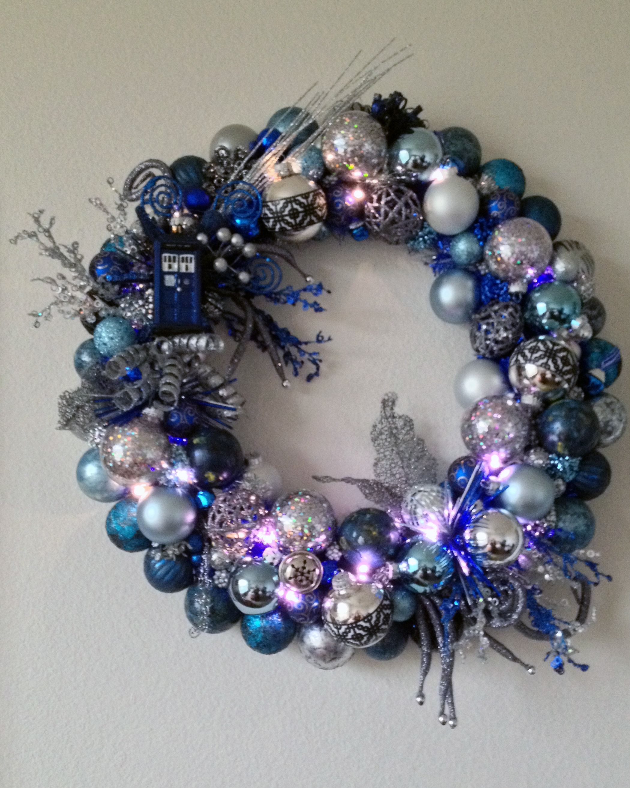 Picture of Lighted Tardis Ornament Wreath
