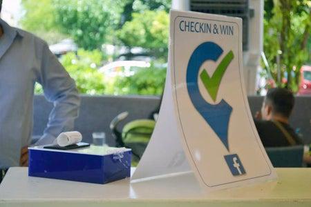 Checkin & Win (Arduino+Facebook)