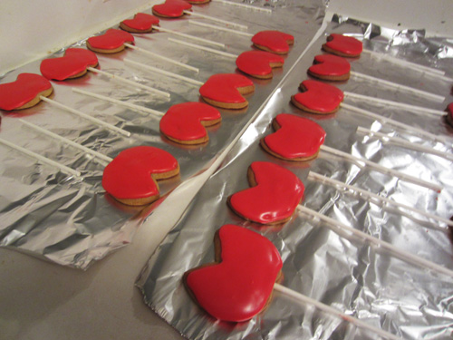Picture of Decorate the Cookies With Royal Icing