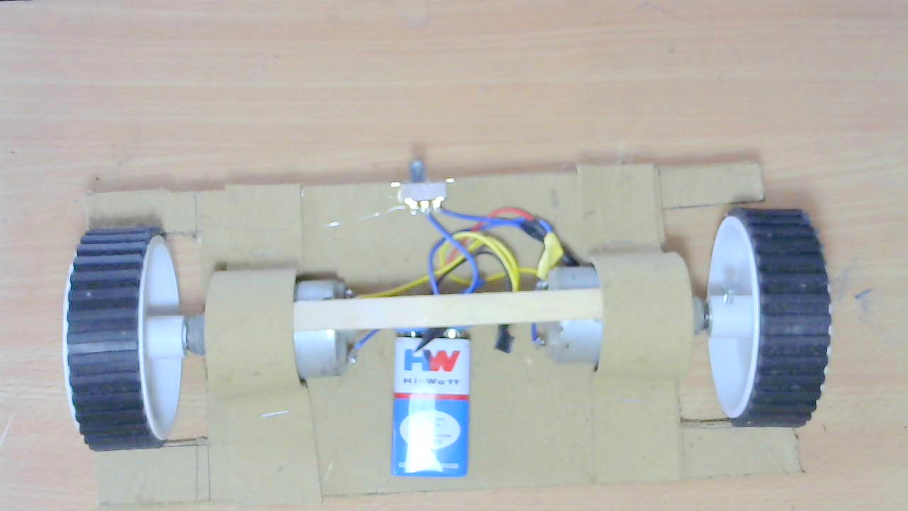 Picture of Use Candy Sticks to Support Two Motors