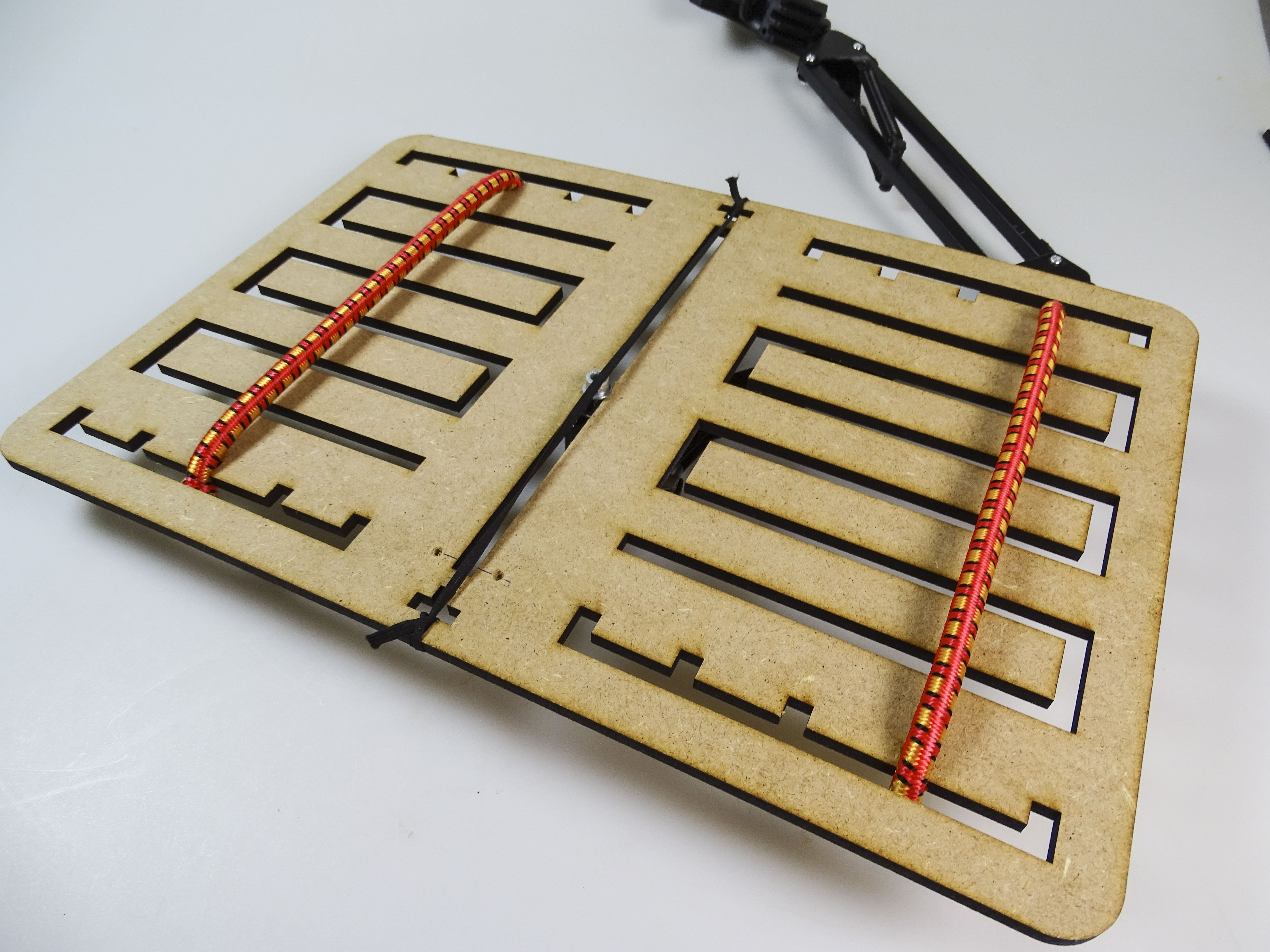 Picture of ONLY FOR BOOKS: Attaching the Stretchers