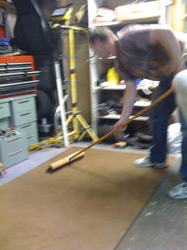 Picture of Prepare and Glue Tile Board