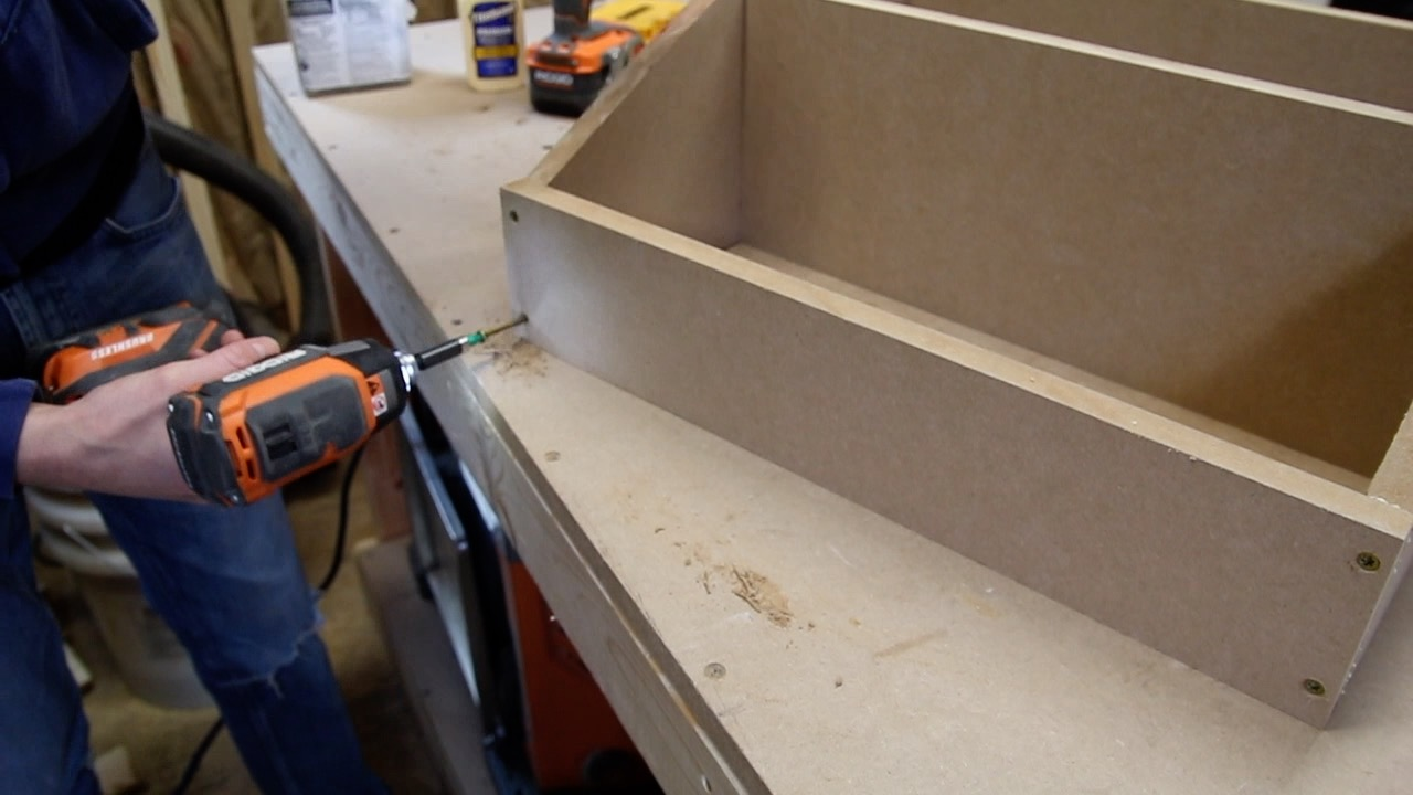 Picture of Assemble the Shelf