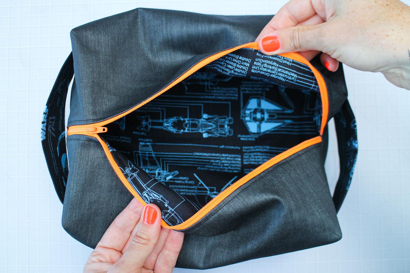 Create a Lined Zipper Case