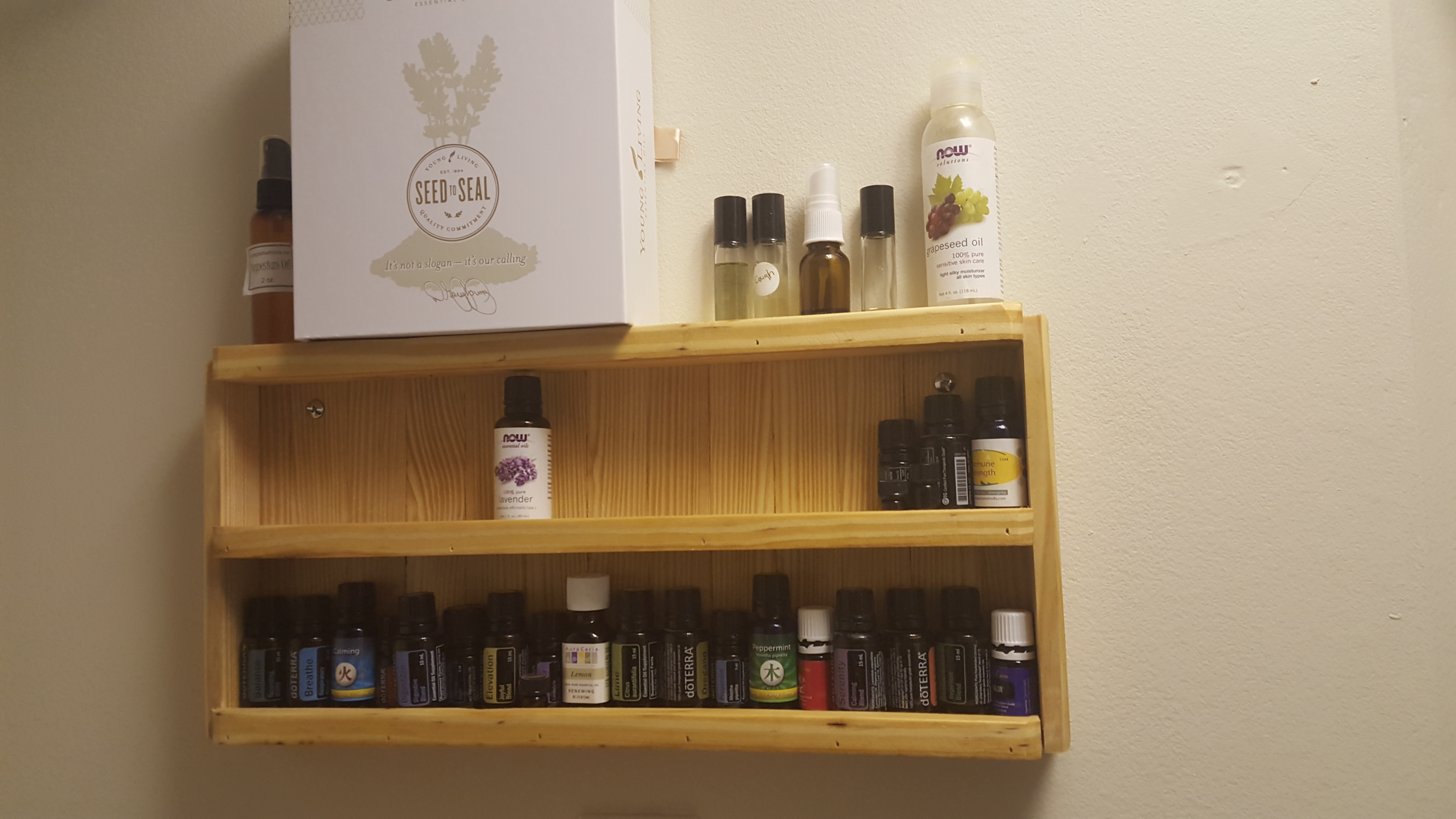 Picture of 2x4 Essential Oil Holder