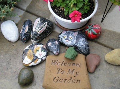 Stepping Stones Are Ready for the Garden!