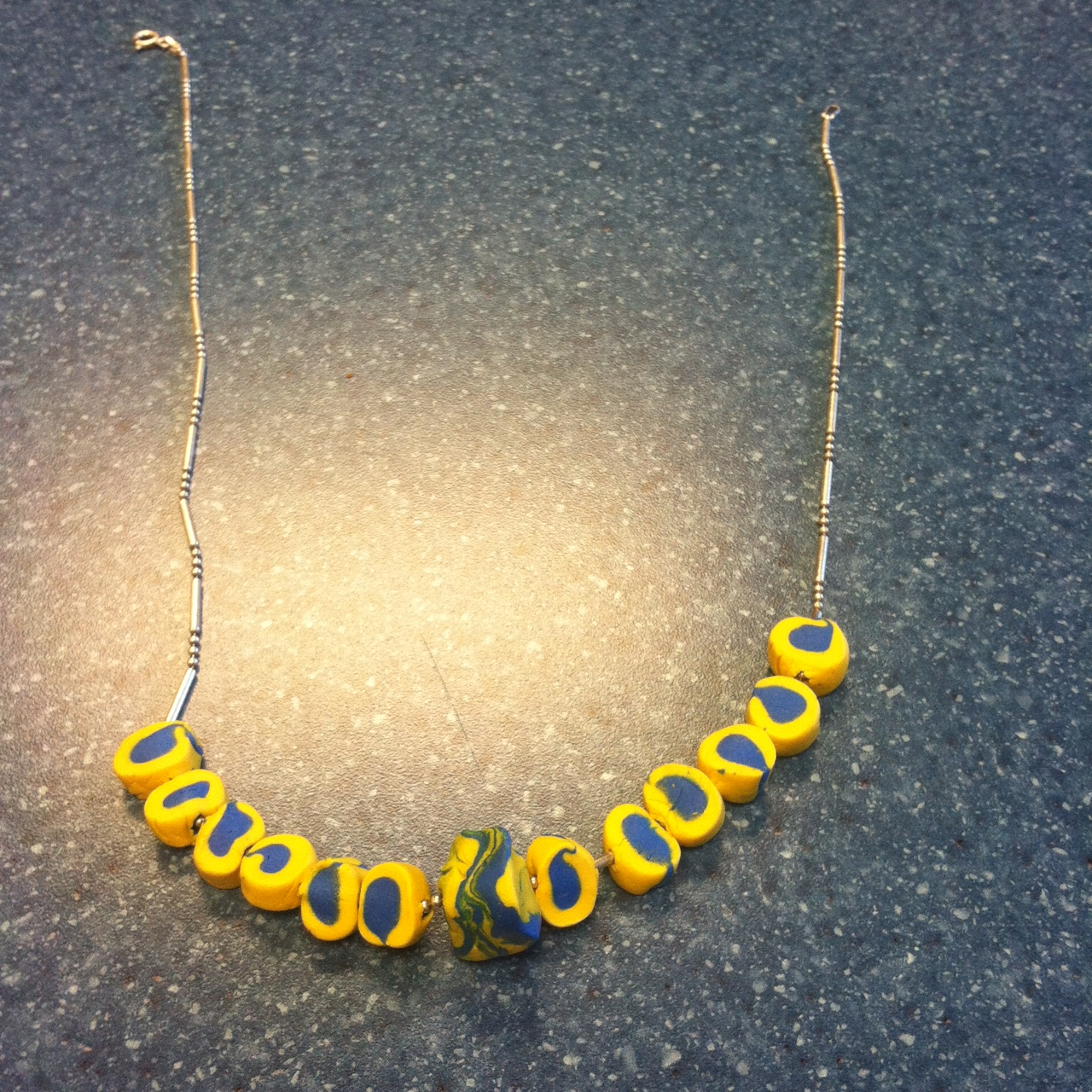 Picture of Rolled SUGRU Beads