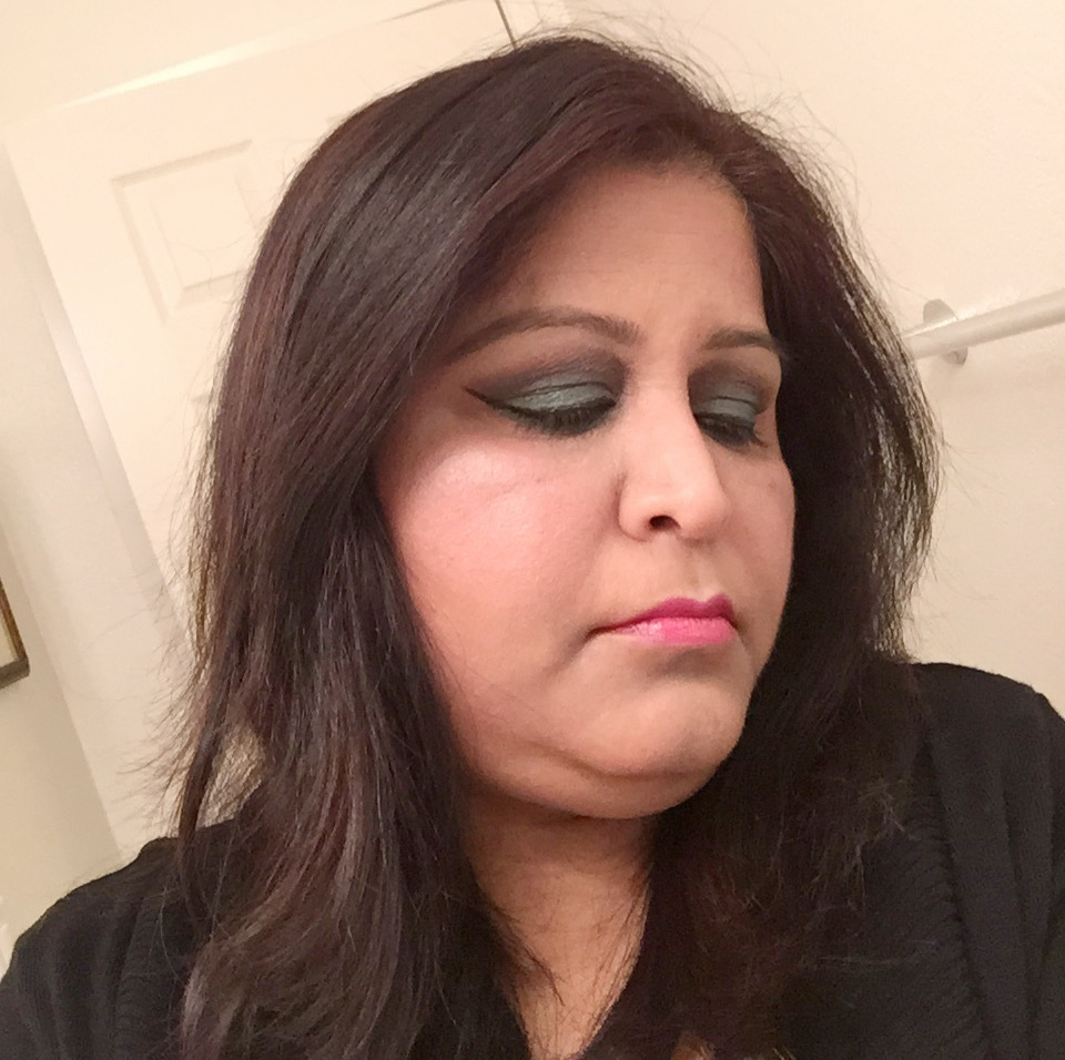 Picture of Green Smokey Eye Makeup Tutorial