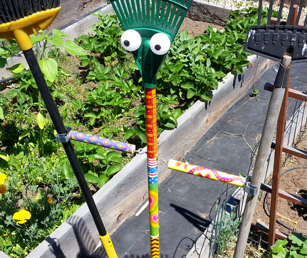 Picture of Water Hose Squiggler and Scarecrow