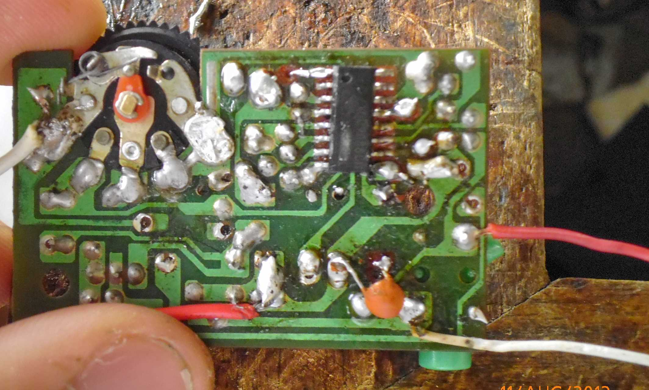 Picture of Installing the Radio Moudle in Headphone