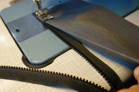 Upside-Down Pouch: Trace, Cut Sew Zippers