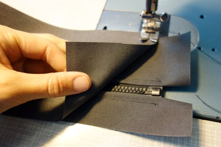 Upside-Down Pouch: Complete Side Strip