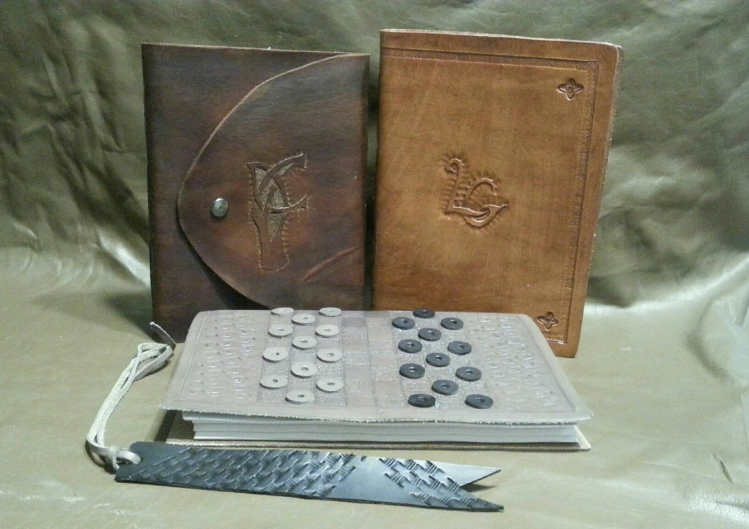 Picture of Leather Bound Book With Replaceable Pages and Built in Checkers Game
