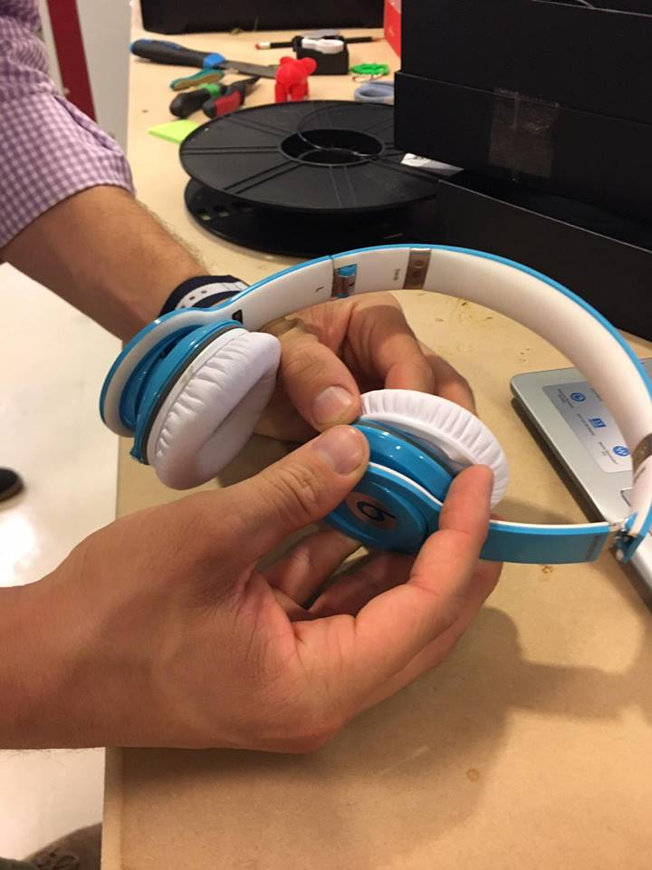 Picture of How to Repair a Pair of Beats by Dr. Dre Headphones With a Broken Speaker