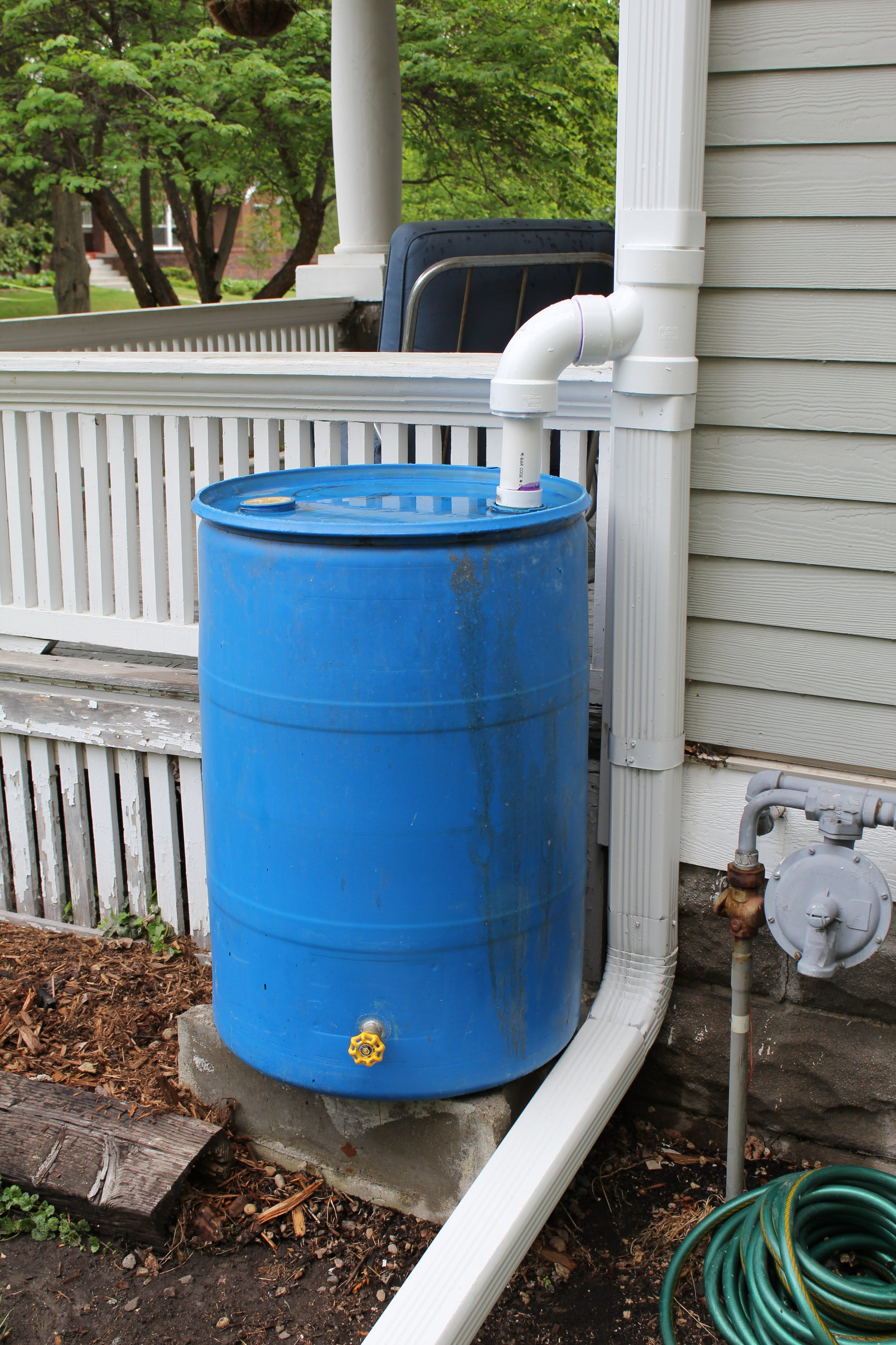 Rain Barrel And Diverter 3 Steps