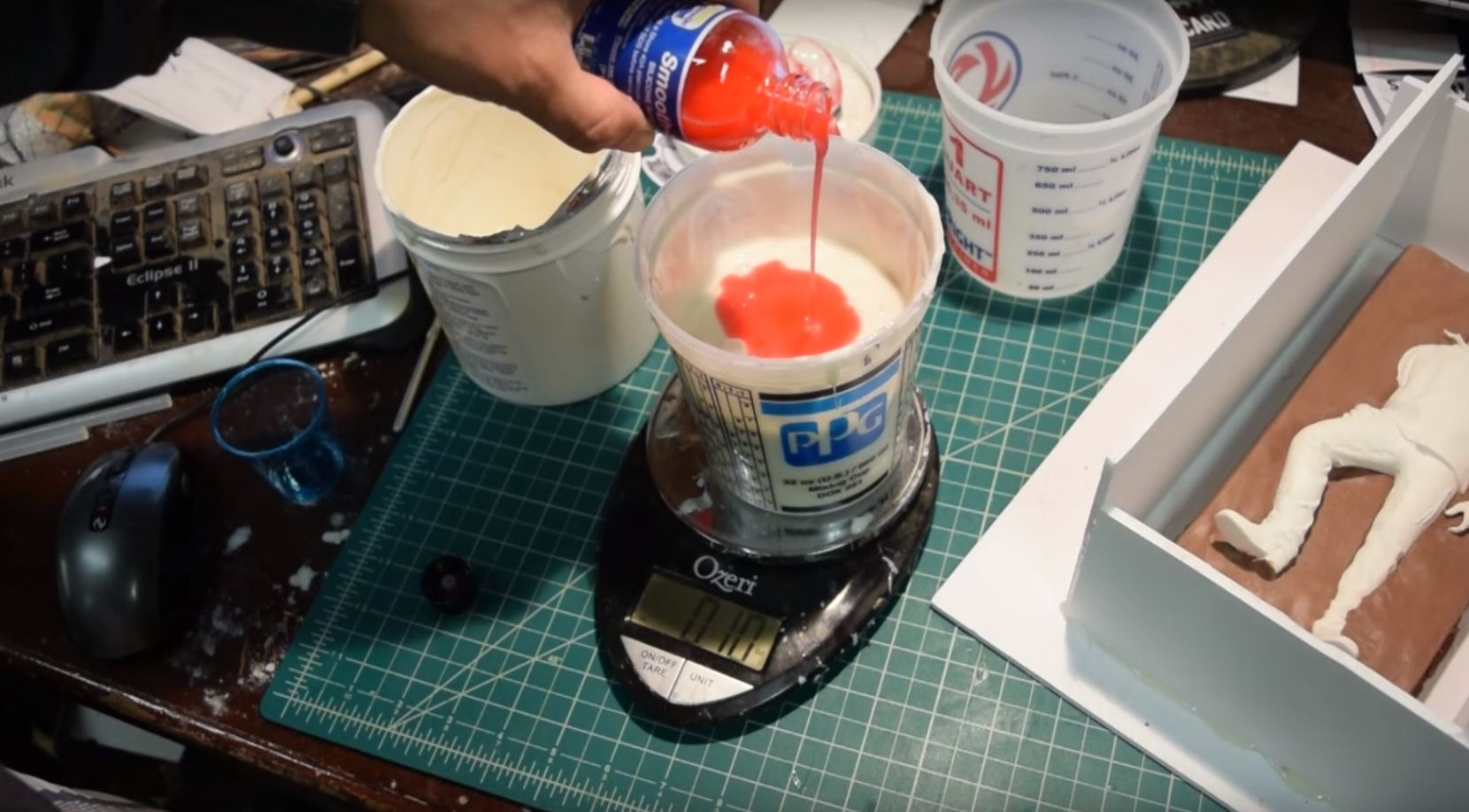 Picture of Mix and Pour the Food Grade Silicone
