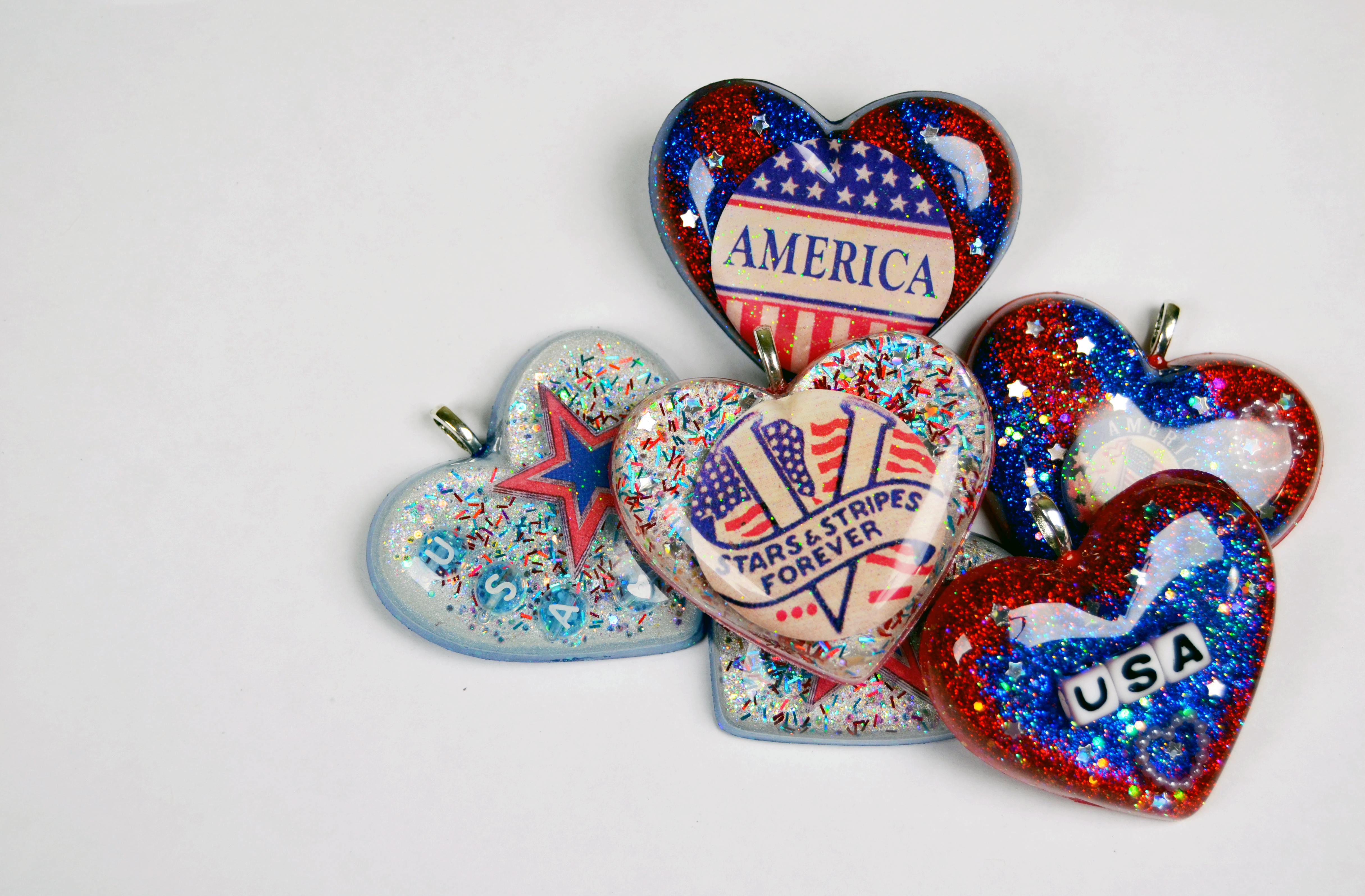 Picture of 4th of July Flashing LED Resin Pendants