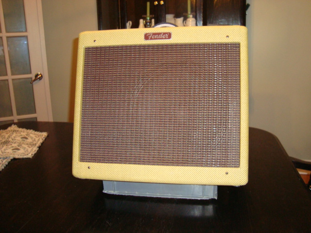 Picture of DIY Guitar Amp Stand