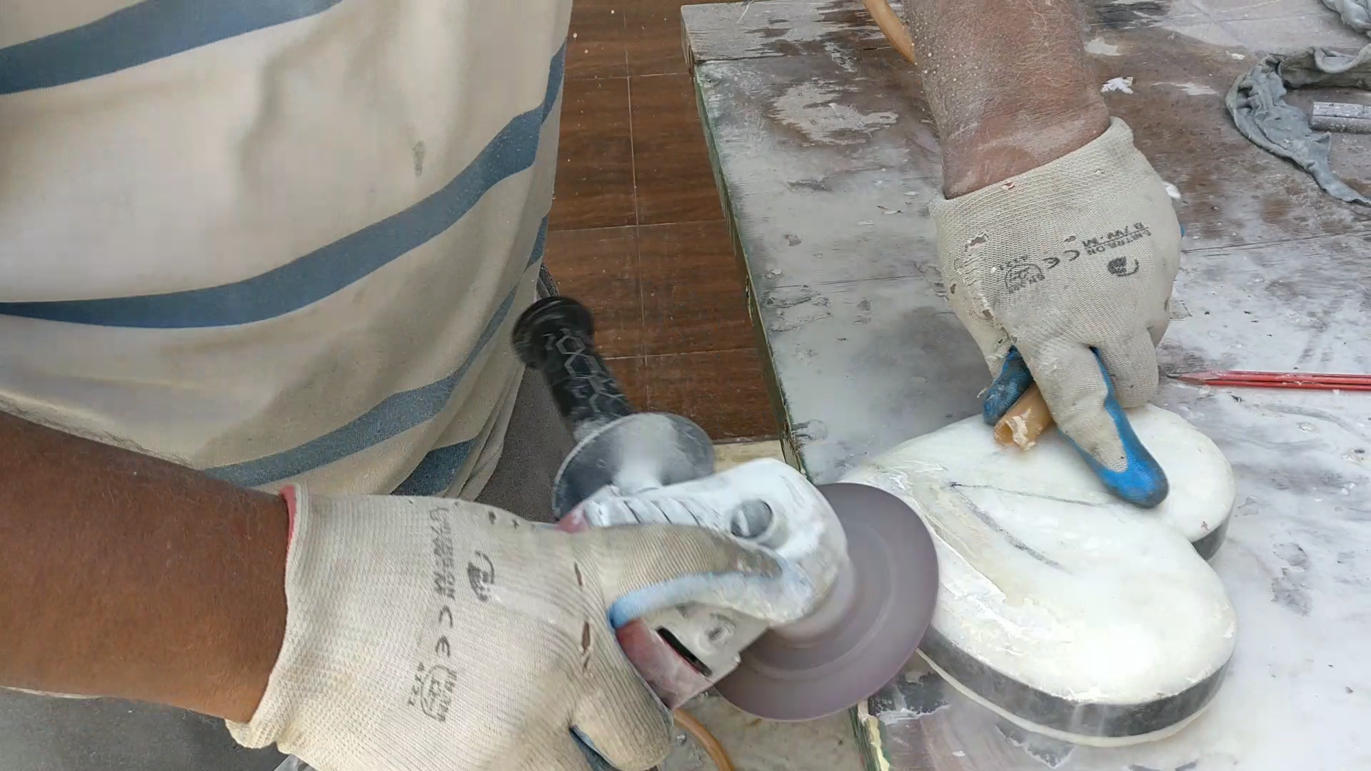 Picture of Refine the Edges and Round the Edges With Plenty of Grinding