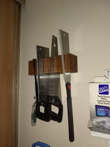 Easy Saw Rack From Scrap!