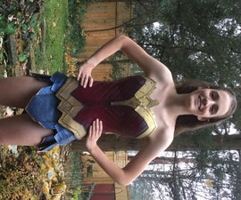 Wonder Woman Cosplay: Body Armour and Gladiator Skirt
