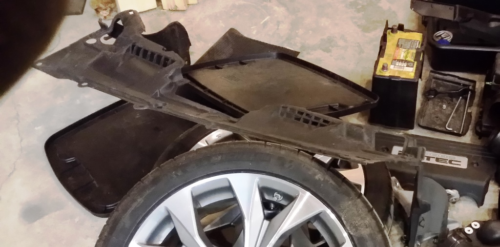 Picture of Remove Wheels, Undertray, and Fender Liner