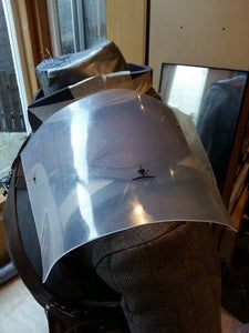 Connecting Your Shoulder Armor With Belts.